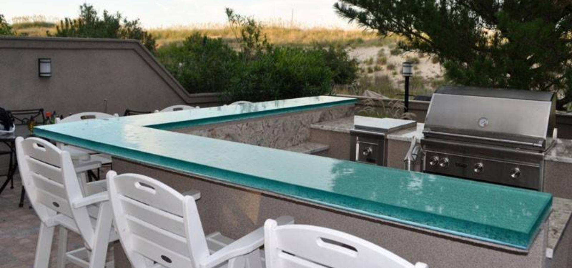 Outdoor overlength thick glass countertops