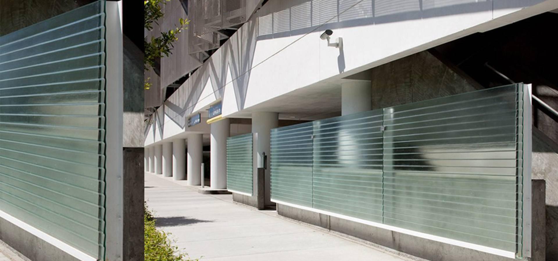 Outdoor aqua clear Porch glass partition