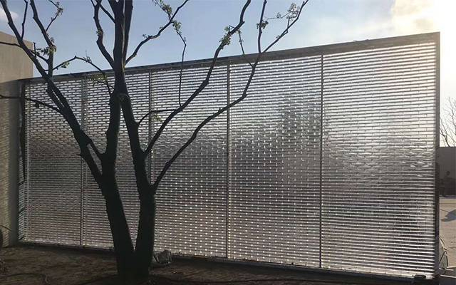 Outdoor light transparent glass brick wall